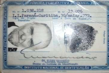 Brazilian identity card issued in May, 1972-Illiterate person Photo by Anna Dvorak These photos show a permanent residence card issued to a Polish immigrant, José Pazoroskiego born in Poland in 1891.