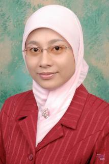 CURRICULUM VITAE Rina Mardiana was born in Bandung (West Java), 5 January 1980.