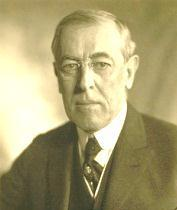 Woodrow Wilson (1913-1921) CARD A Since the death of the Second Bank of the United States in 1836, the American financial system was carried out by state-chartered banks with no federal regulation.