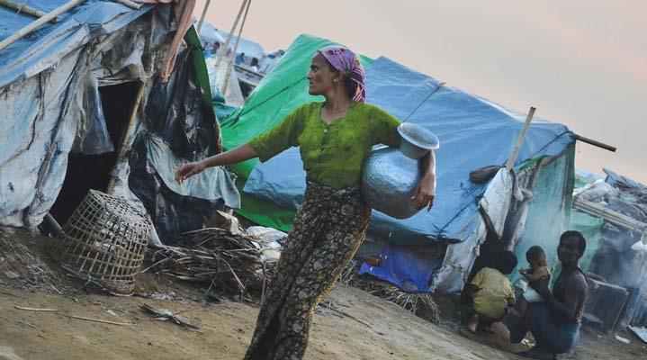 www.mmtimes.com News 7 Govt backtracks on two-child order Rakhine State Government spokesman says order lapsed on January 1 A Muslim woman walks past shelters in an IDP camp in Sittwe last month.