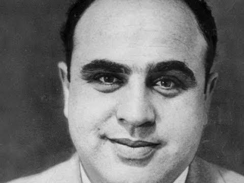 Al Capone Why is he known as Scarface What