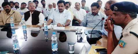 meeting on laws and act to Abe followed in upcoming festivals Sarhul and Ramnavami was called at district collectriate office in the joint chairmanship of the DC Vinod Kumar and the SP Karthik S.