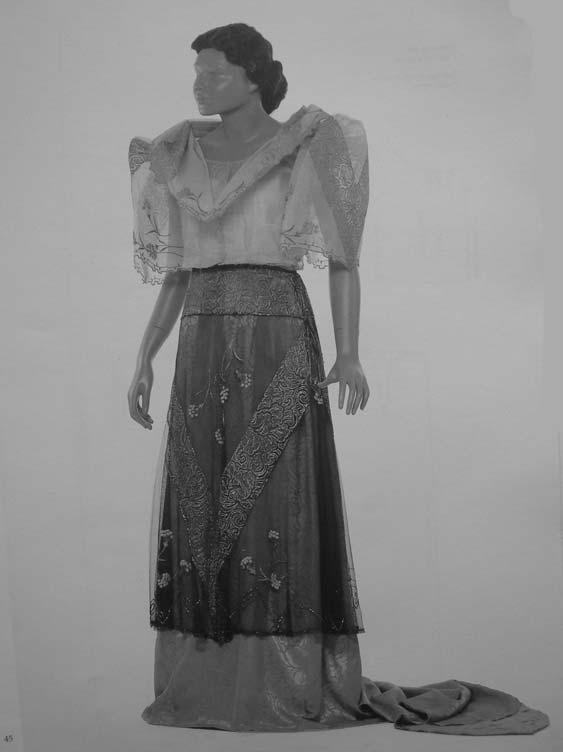 44 Mina Roces Figure 2.4 A terno with pañuelo worn by Mrs. Pacita de los Reyes as Carnival Queen in 1929. This is a sample of the typical ternos of the era 1920s 1930s. Part of the collection of Mrs.