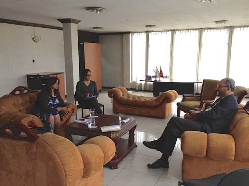 IOM s Head of Mission, Rogelio Bernal, met in the offices of the Ministry of the Interior with Hiroshima Villalva, Institution-building Project Manager for the Ministry of the