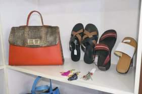 We pride ourselves in producing leather handbags and other leather goods for the sassy fashionable and classy individual.