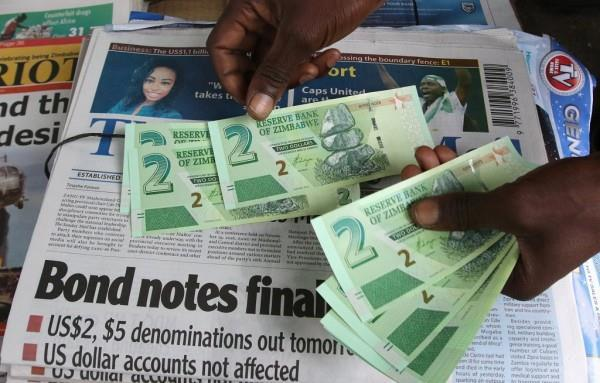 Picture 5:6 Bond notes and coins.