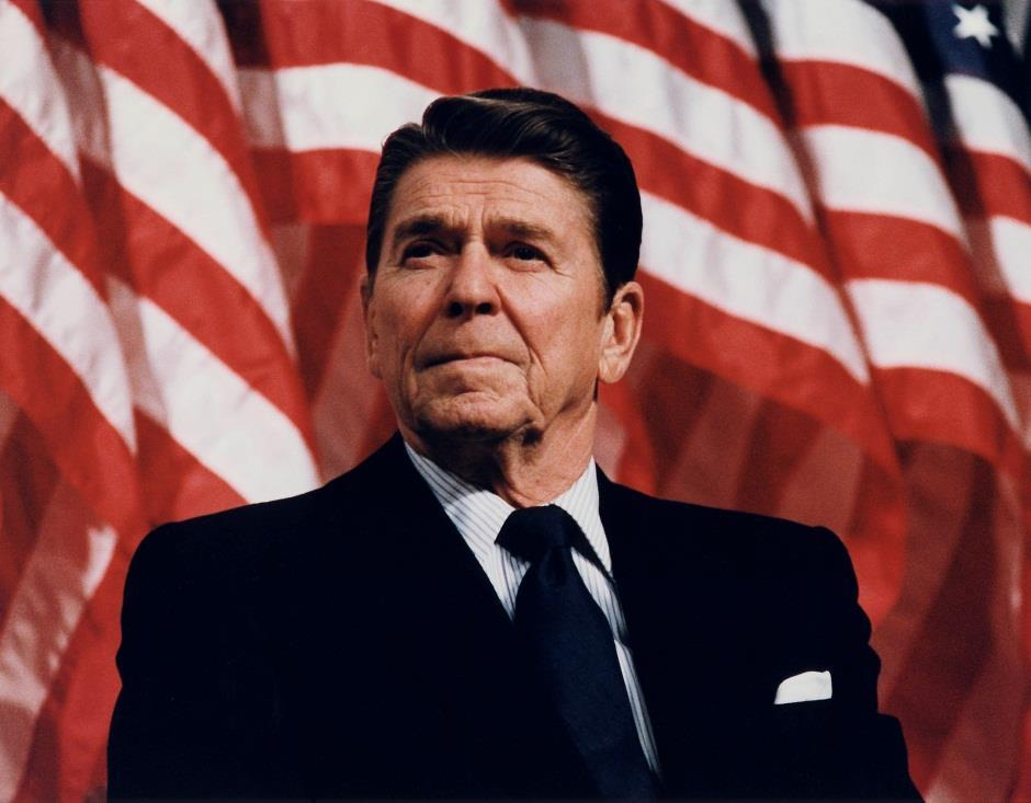 RONALD REGAN REP. (1981 1989) Carter s administration was ruined from the hostage crisis, energy shortage and continuing inflation. Regan (Rep.