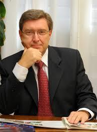 Giovannini has been a key figure in Beyond GDP debates; as Chief Statistician at the OECD from 2001 to 2009, he launched the Global Project on the Measurement of Progress of Societies.