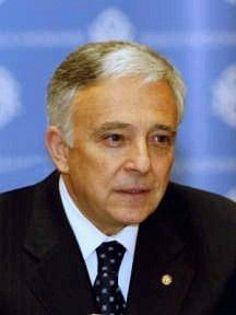 SPEAKERS Mugur Isărescu, PhD in Economic Sciences (1989), President of the Administration Board and Governor of the National Bank of Romania (appointed by the Government in 1990; mandate from the