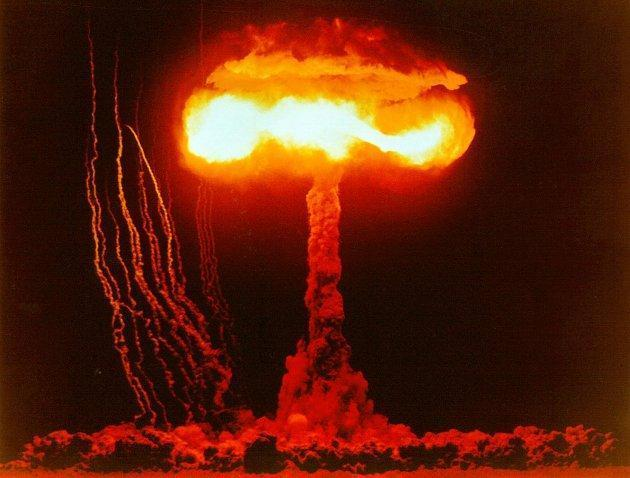 1945 - USA Drops Atomic Bomb on
