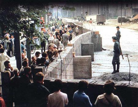 1961 Berlin Wall built Soviet Union closes access to