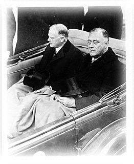 ROOSEVELT WINS AN OVERWHELMING VICTORY Democrat Roosevelt, known popularly as FDR, was a 2- term governor of New York FDR was a