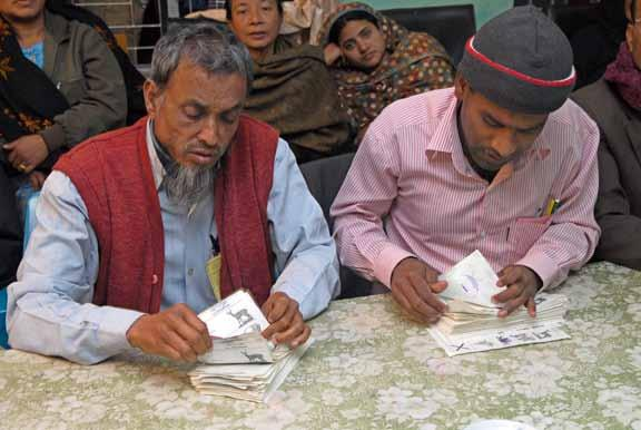Elections in Bangladesh 2006-2009: 8 senting their VID numbers to election officials on slips of paper carrying candidate names or party symbols could be seen as diminishing the secrecy of the vote.